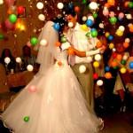 салют из шаров на свадьбе